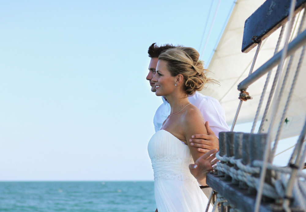Experience your memorable wedding ceremony on a boat!