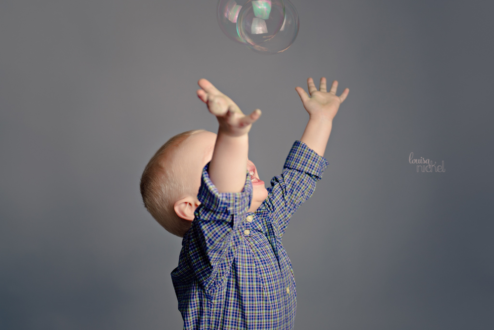 birthday bubbles - 2 years old - Louisa Nickel Photography