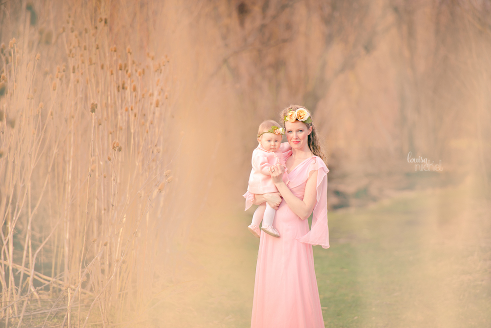 mother and daughter - vintage gown - poses - Louisa Nickel Photography
