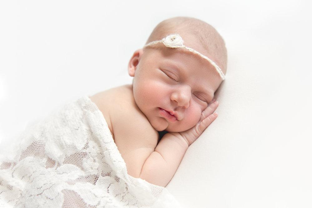natural_newborn_baby_girl-16.jpg