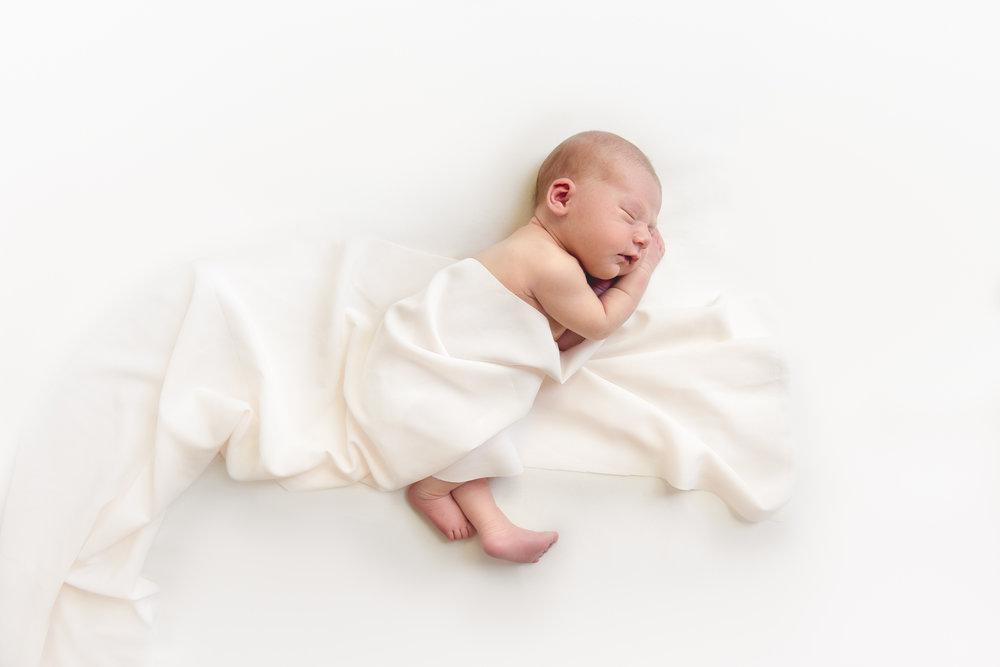 natural_newborn_baby_girl-23.jpg