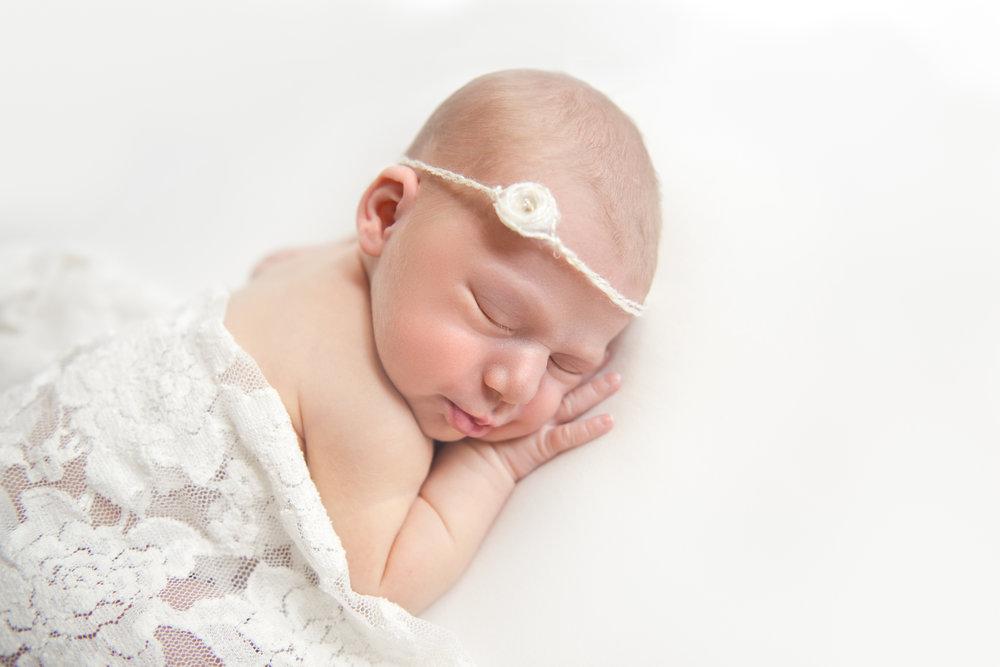 natural_newborn_baby_girl-15.jpg