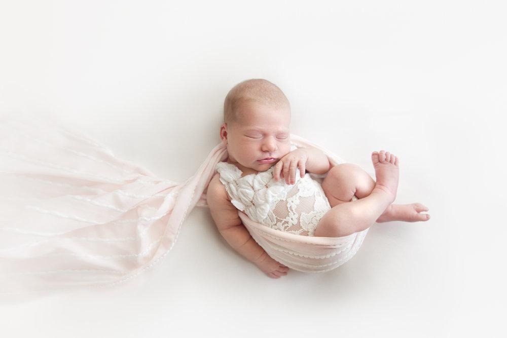 natural_newborn_baby_girl-13.jpg