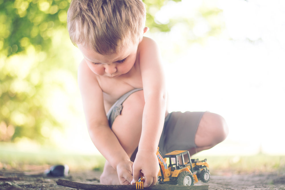 3_year_old_tractors_dirt_photoshoot-3.jpg