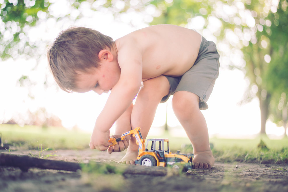 3_year_old_tractors_dirt_photoshoot-6.jpg
