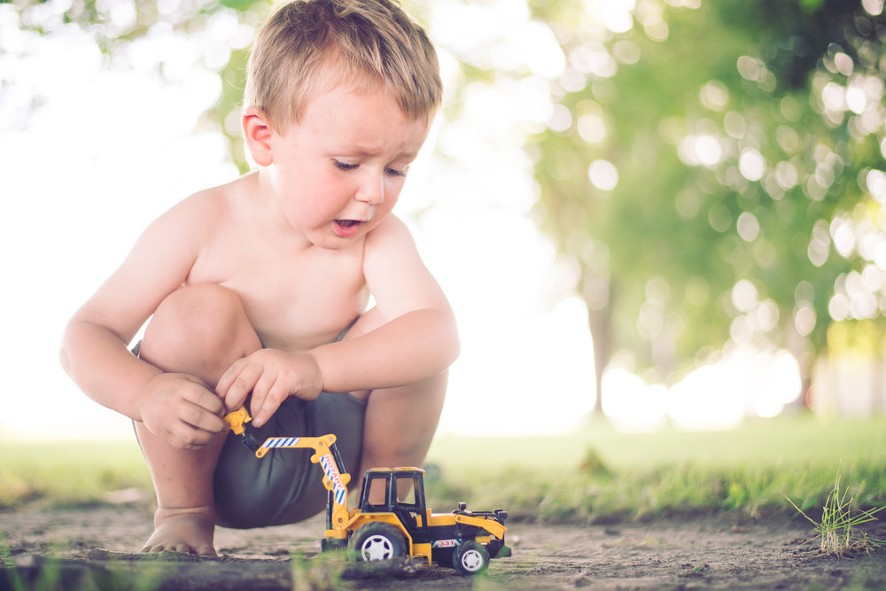 3_year_old_tractors_dirt_photoshoot-8.jpg