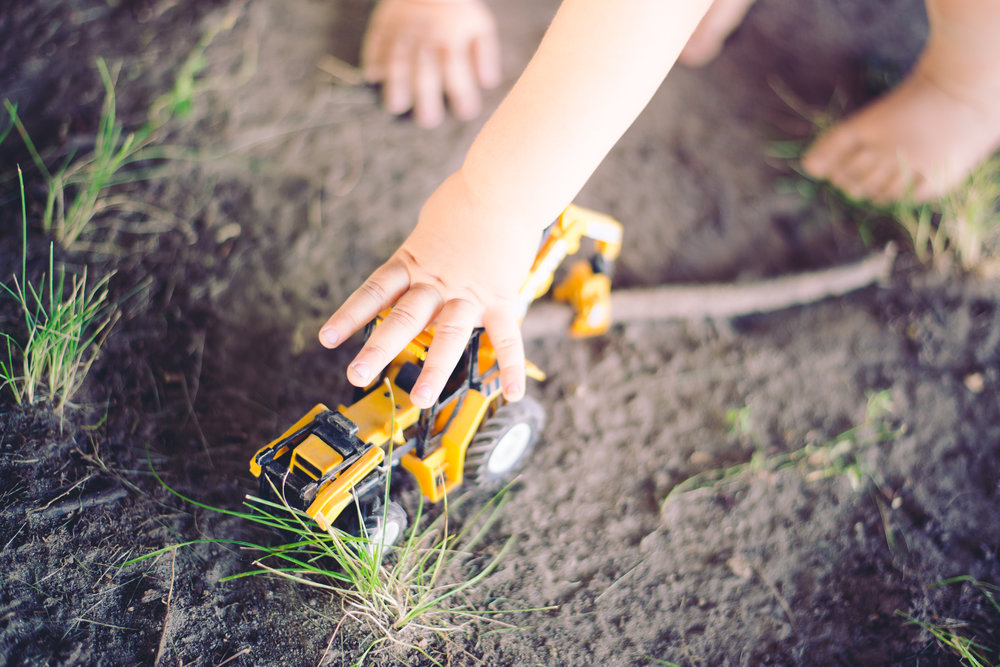 3_year_old_tractors_dirt_photoshoot-11.jpg