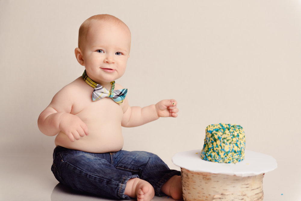 1_year_old_vintage_truck_cake_smash-22.jpg