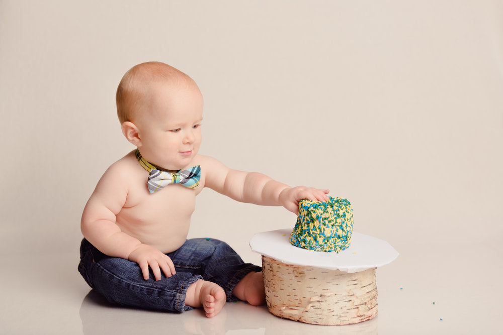 1_year_old_vintage_truck_cake_smash-23.jpg