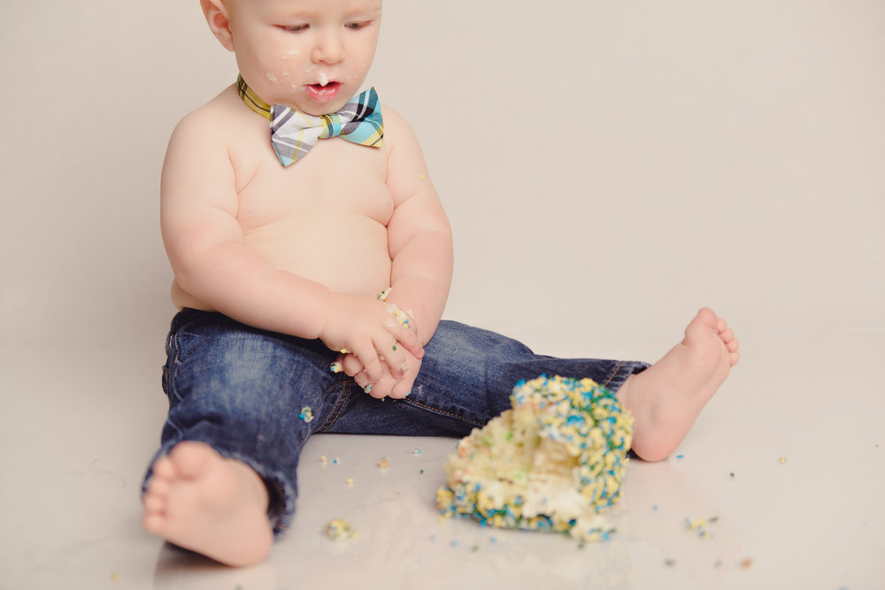 1_year_old_vintage_truck_cake_smash-26.jpg