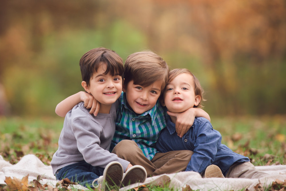 4 little boys fall family photoshoot-4.jpg