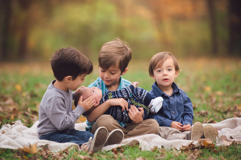 4 little boys fall family photoshoot-5.jpg