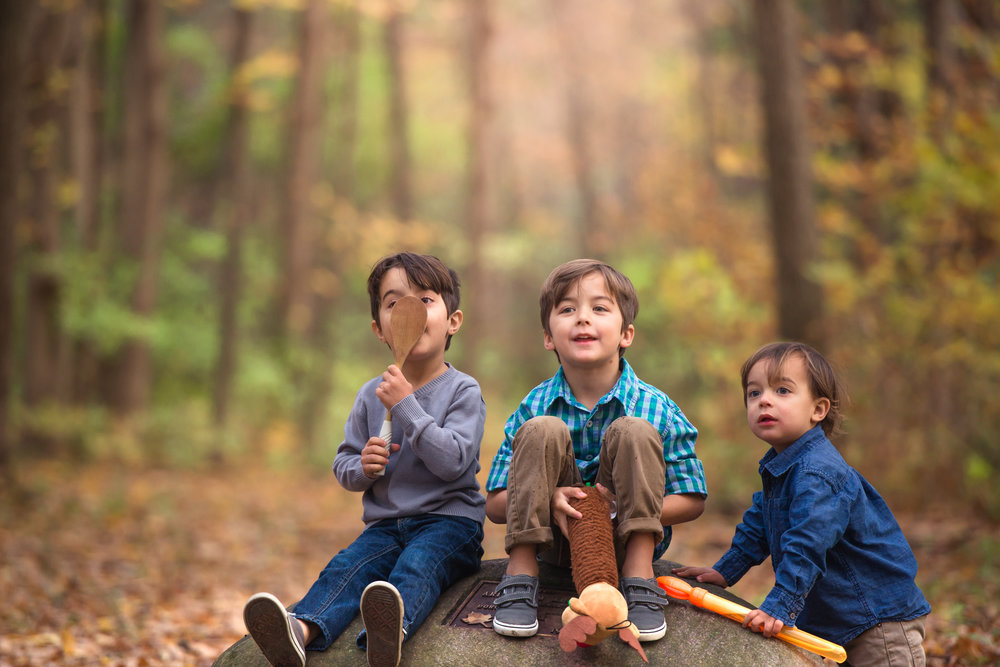 4 little boys fall family photoshoot-16.jpg
