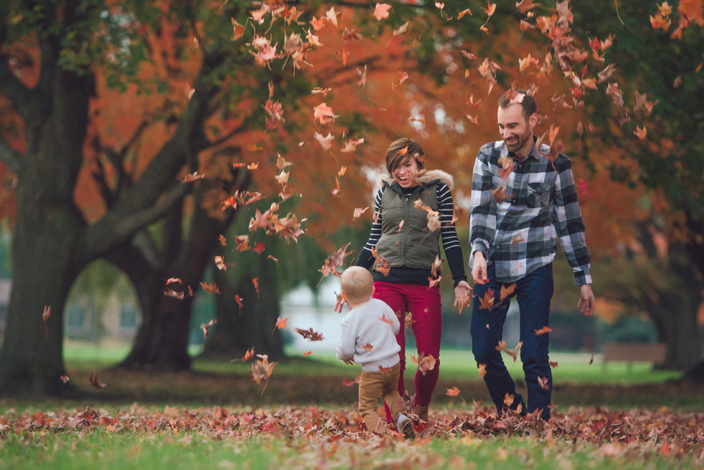 fall lifestyle session with a toddler-30.jpg