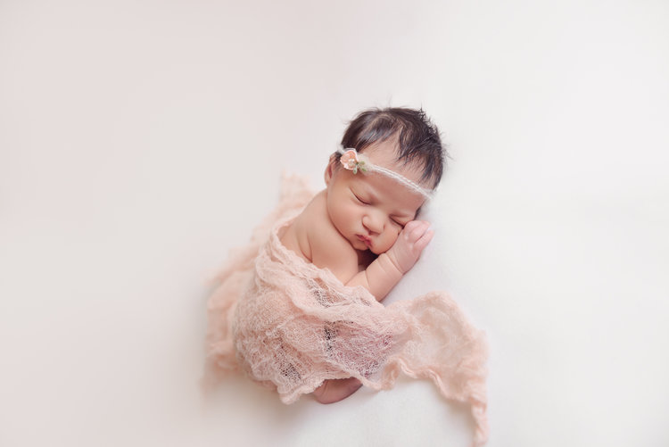 Natural newborn girl poses rockford il louisa nickel photography 1 jpg