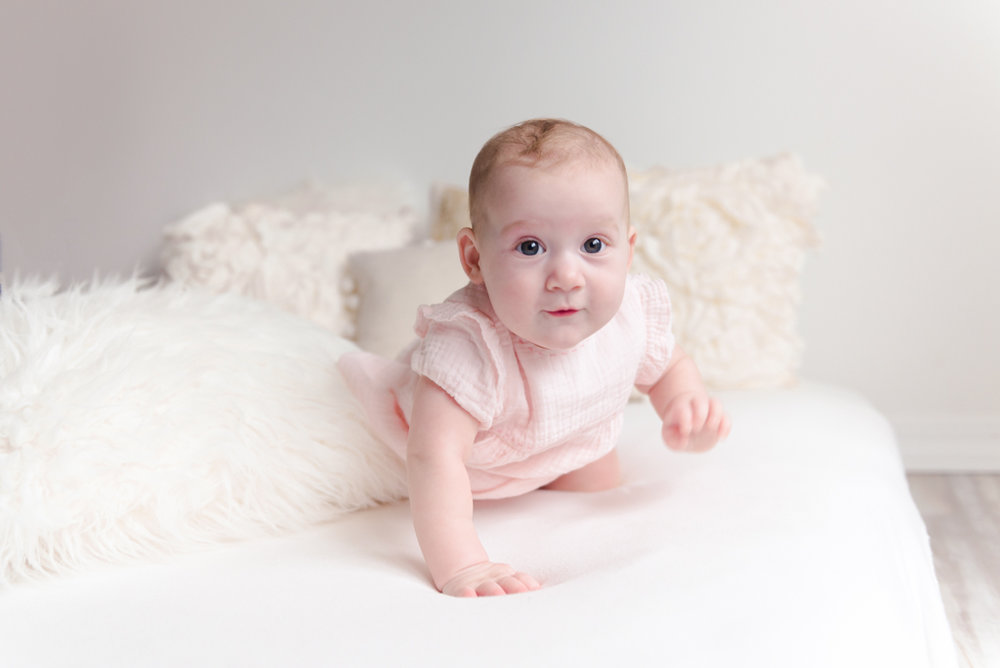 sitting crawling baby girl six month session - Louisa Nickel Photography-34.jpg