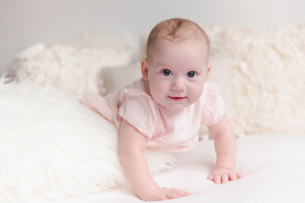 sitting crawling baby girl six month session - Louisa Nickel Photography-33.jpg