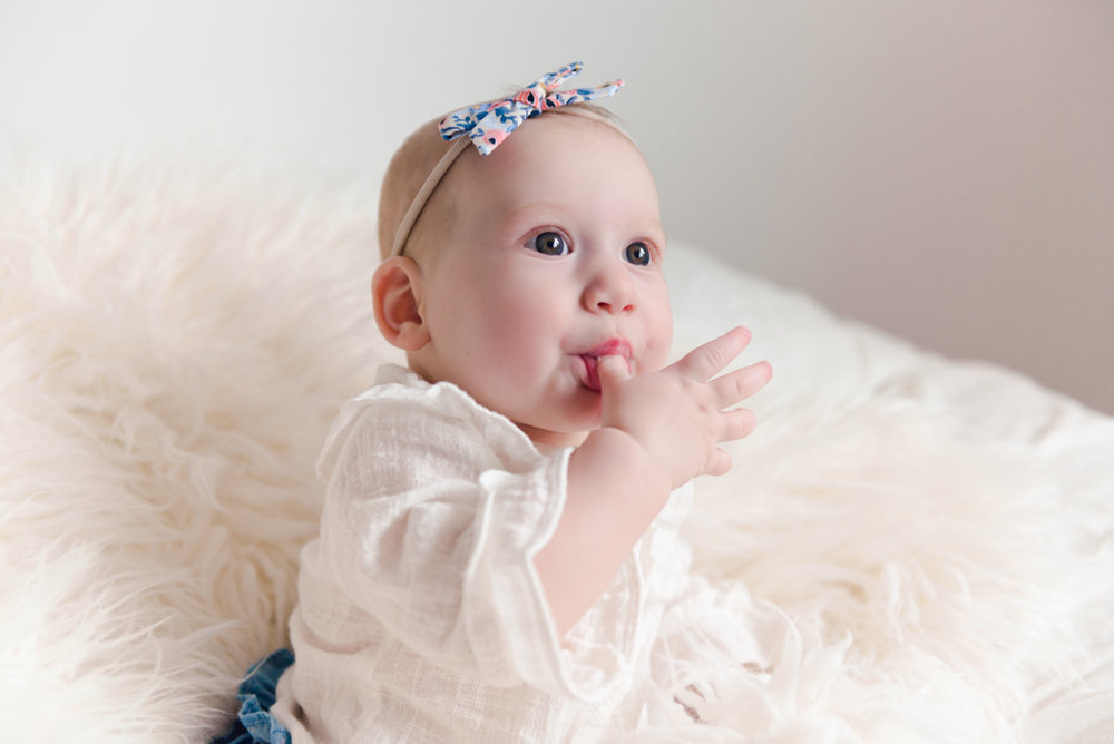 sitting crawling baby girl six month session - Louisa Nickel Photography-32.jpg