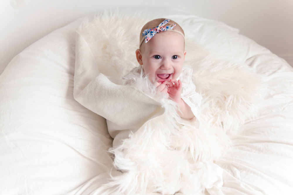 sitting crawling baby girl six month session - Louisa Nickel Photography-31.jpg