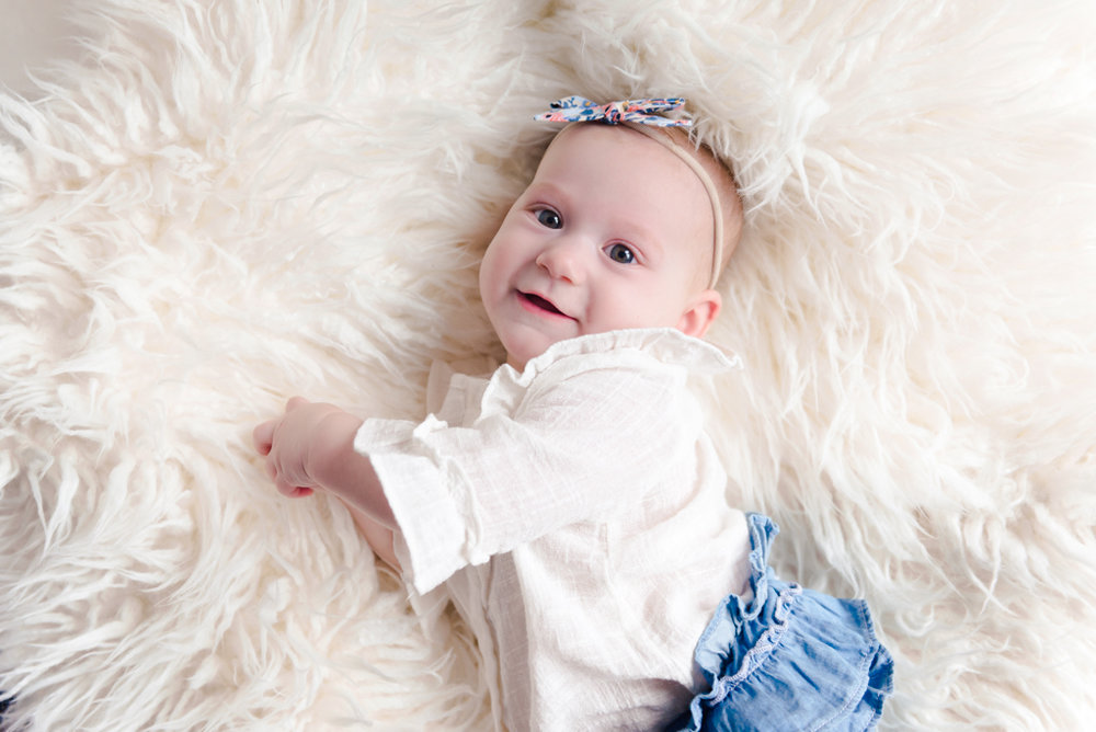 sitting crawling baby girl six month session - Louisa Nickel Photography-30.jpg