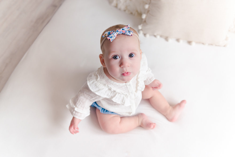 sitting crawling baby girl six month session - Louisa Nickel Photography-29.jpg