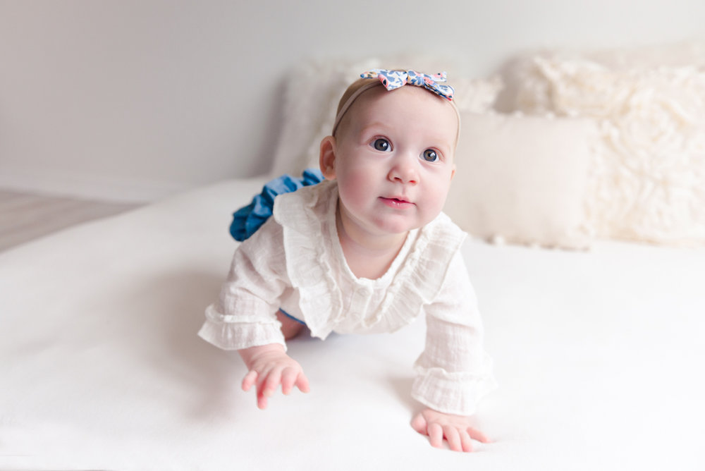 sitting crawling baby girl six month session - Louisa Nickel Photography-24.jpg