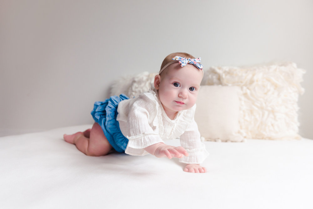 sitting crawling baby girl six month session - Louisa Nickel Photography-22.jpg