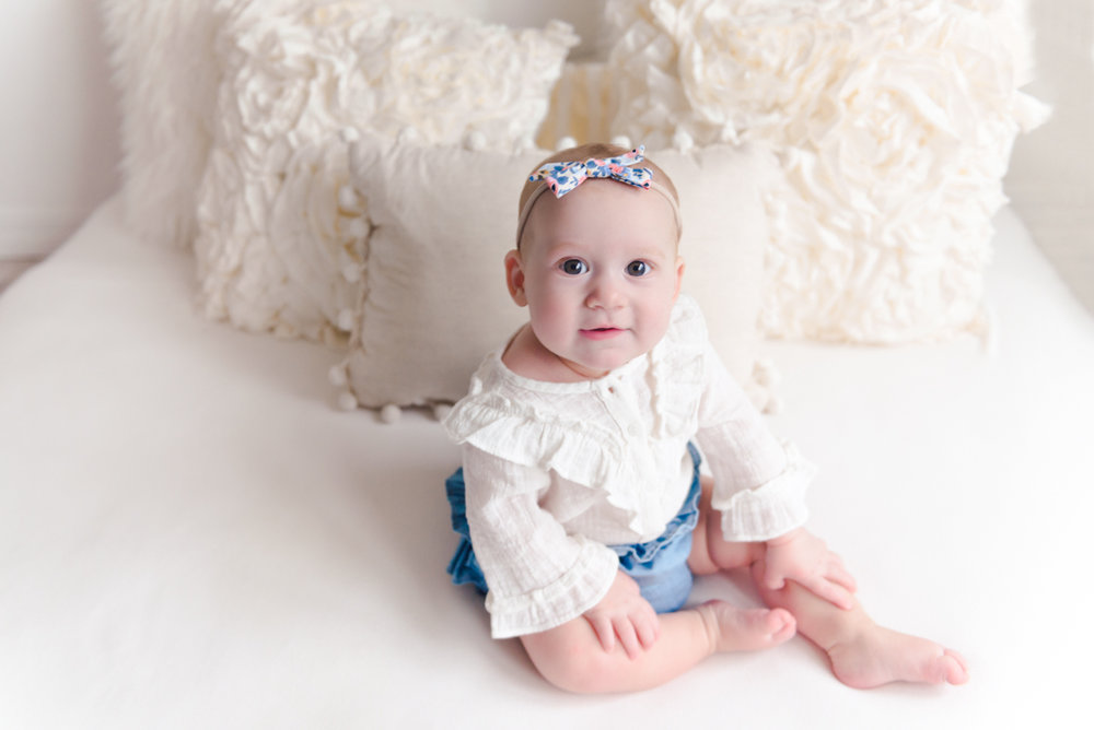 sitting crawling baby girl six month session - Louisa Nickel Photography-19.jpg
