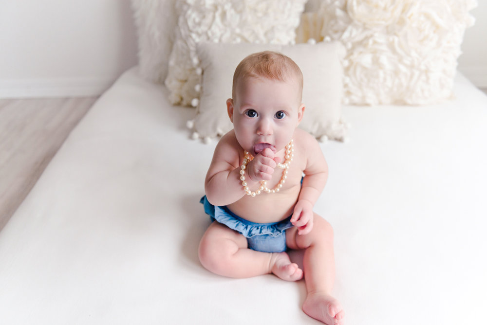 sitting crawling baby girl six month session - Louisa Nickel Photography-12.jpg