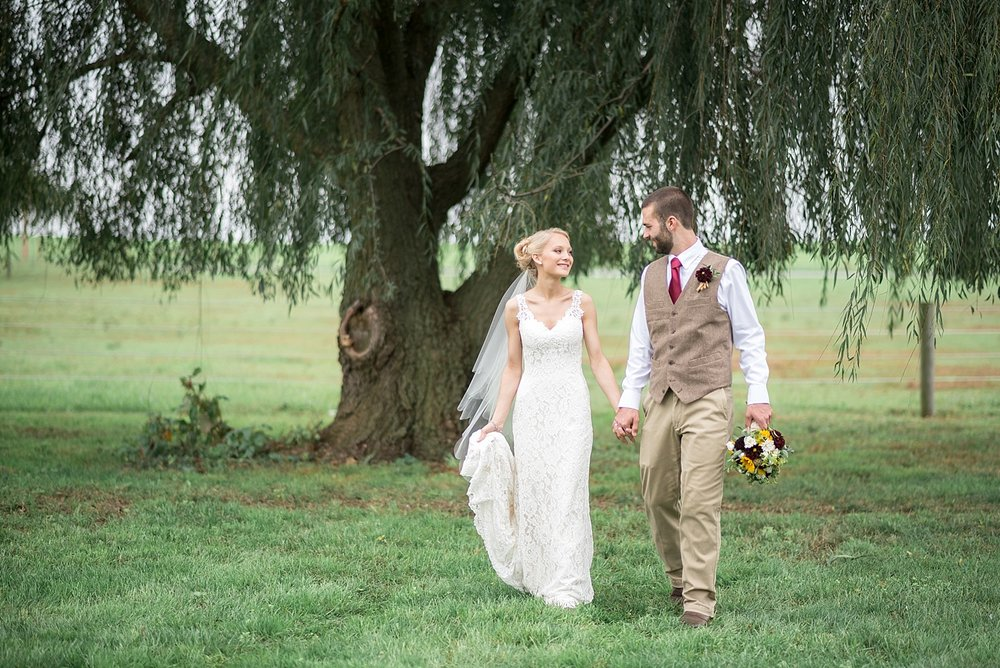 Romantic willow tree bride and groom portrait lancaster photo