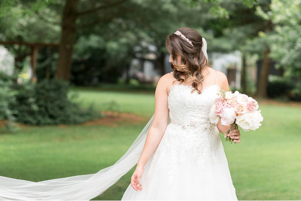 Bridal portrait Hershey Gardens Hershey Country Club Summer beautiful wedding photography_1565.jpg