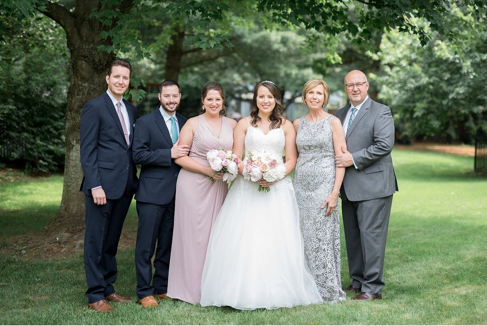 Bride and family Hershey Gardens Hershey Country Club Summer beautiful wedding photography_1554.jpg