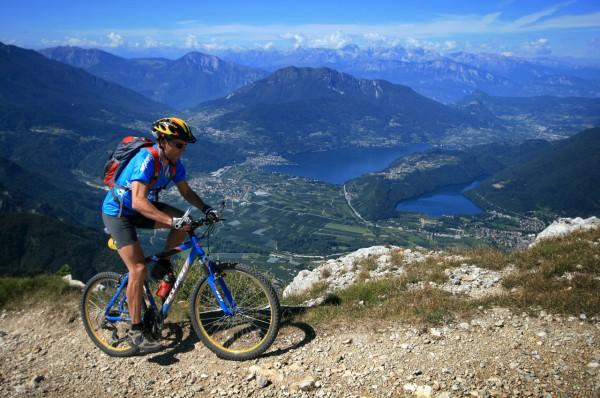 Mountainbiken Comomeer.jpg