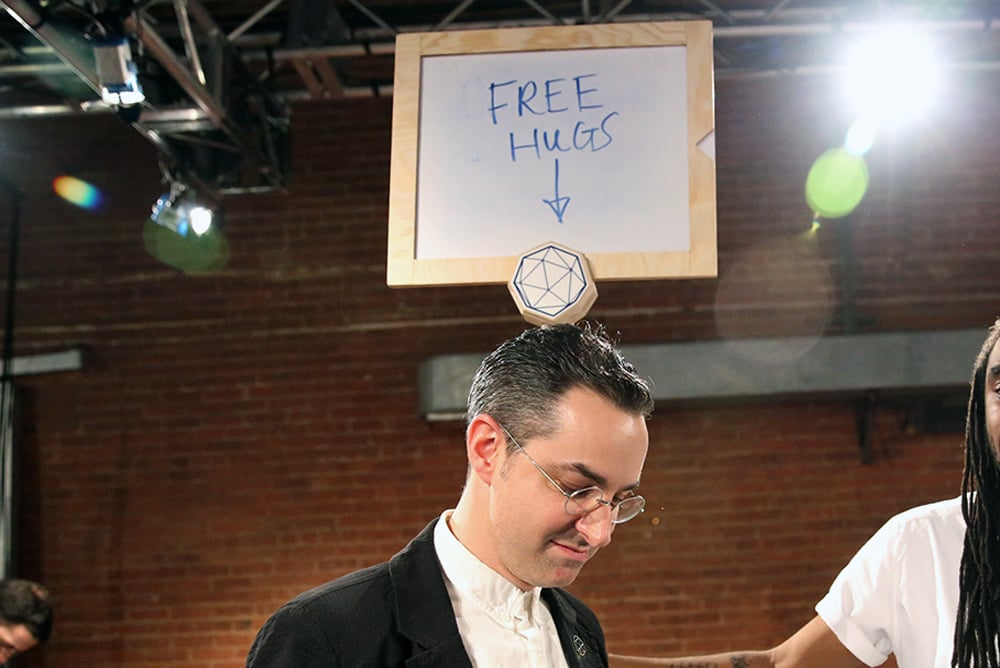 freehugs_1000.jpg