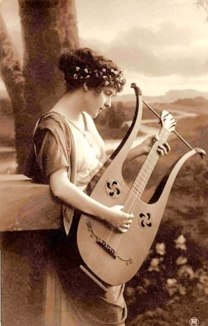 girl_with_lyre.jpg