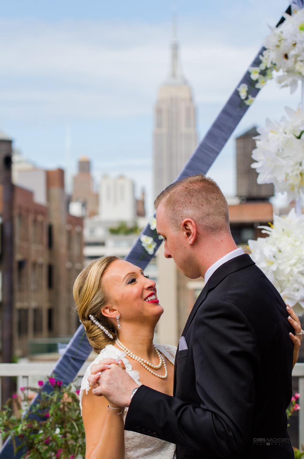 chris-nachtwey-new-york-city-wedding-photographer-first-dance.jpg