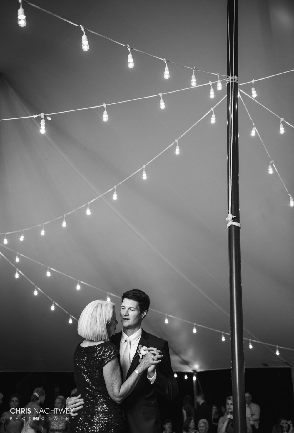 artistic-connecticut-wedding-photographers-chris-nachtwey-2017-18.jpg