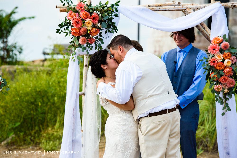 photos-wedding-lighthouse-point-park-carousel-new-haven-chris-nachtwey-photography-2019-28.jpg