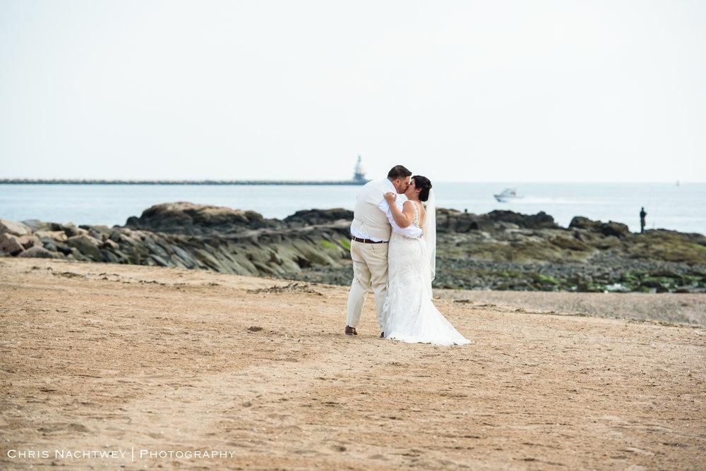 photos-wedding-lighthouse-point-park-carousel-new-haven-chris-nachtwey-photography-2019-32.jpg