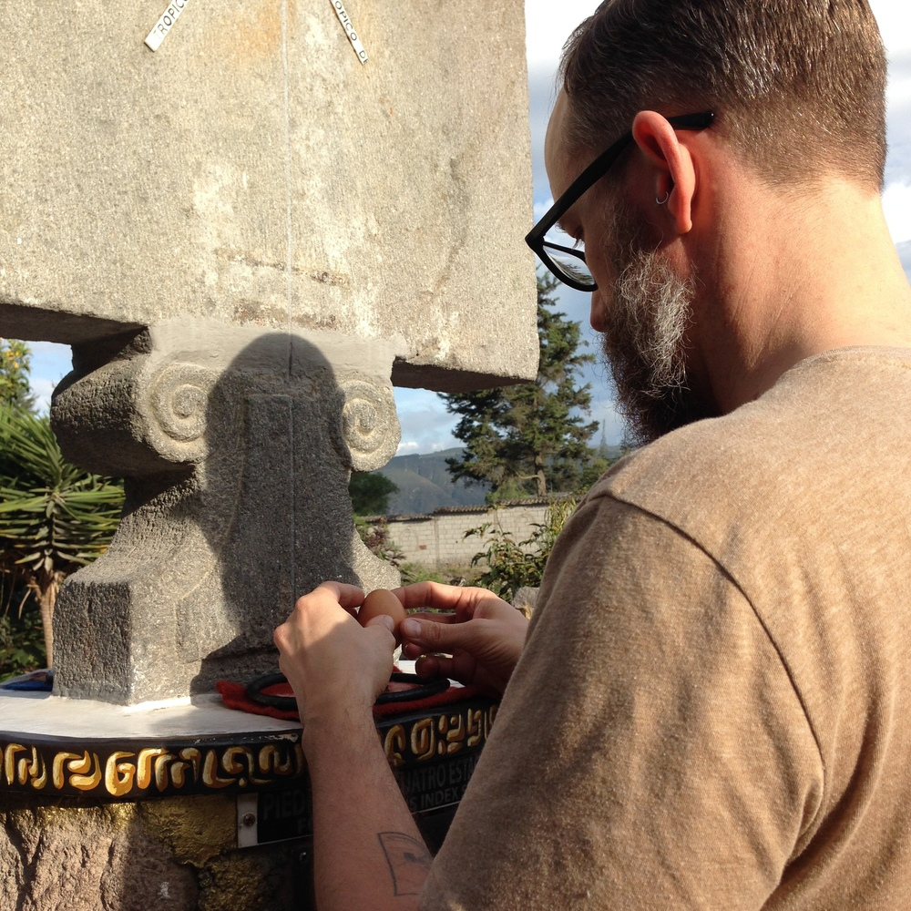 El Gigante balances an egg on a nail at the Equator (the real one).