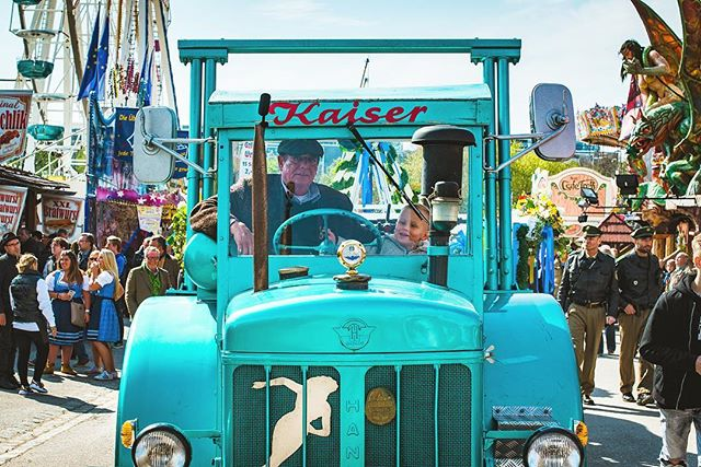 Traditional fun for the old and the young. . . . . . . . #nilevinczphotography #nikon #munich #muenchen #germany #deutschland #bavaria #munichgermany #munich_germany #munichcity #germany_insta #germany_fotos #springfest #fruhlingsfest #frühlingsfest #kaiser #parade #tractor #tradition #lineage #legacy #dirndl #travel #travelformillenials #travelphotography #travelbug #travelmunich #ig_munich #munichlove