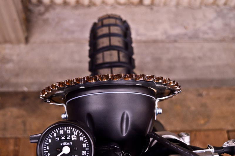 Rebellion-headlight-crank-detail(1000px).jpg