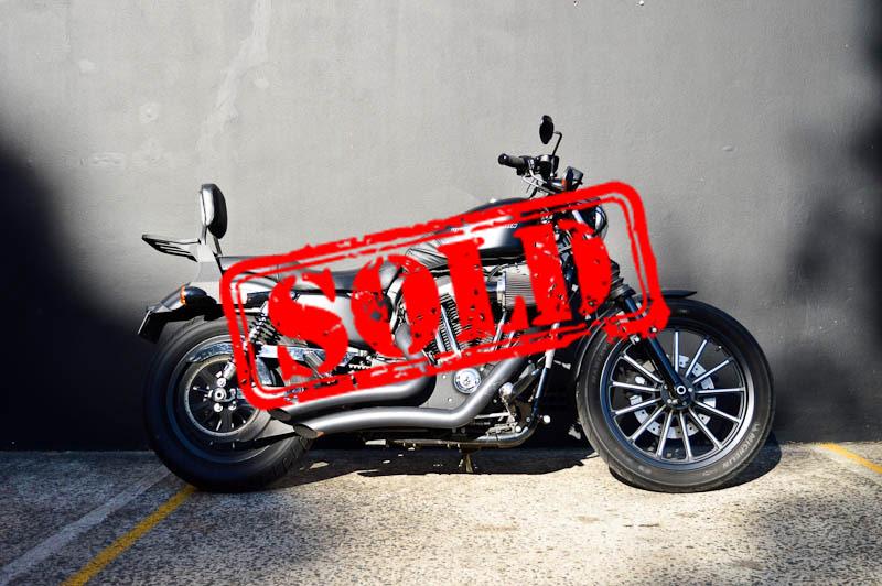 2011 Harley Davidson Iron 883 - $10,990