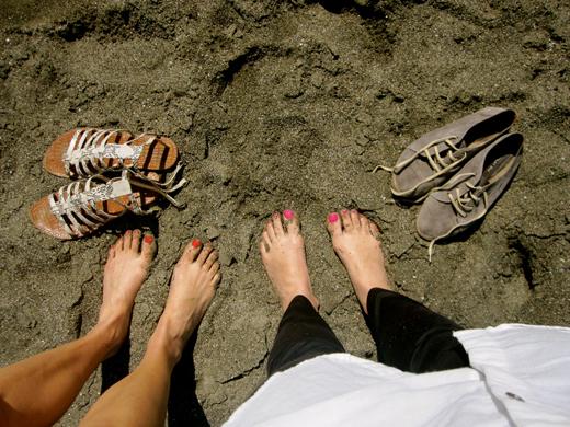sandy-feet.jpg