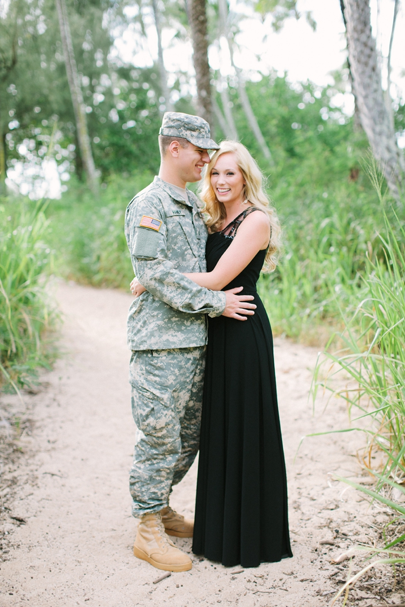 bethany-tim-hawaii-engagement-photographer-001.jpg