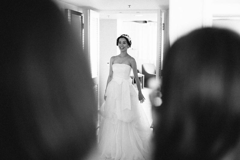 stylish-lanikuhonua-wedding-004.jpg