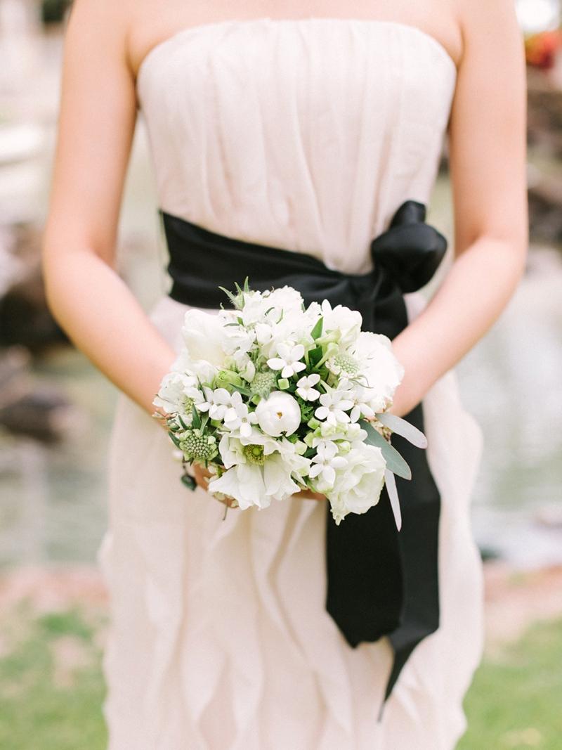 stylish-lanikuhonua-wedding-014.jpg