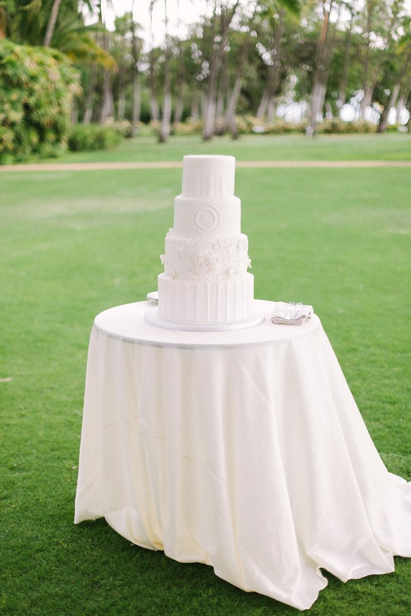 stylish-lanikuhonua-wedding-025.jpg