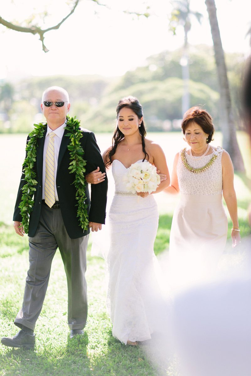tim-shaina-wedding-the-modern-hawaii-035.jpg