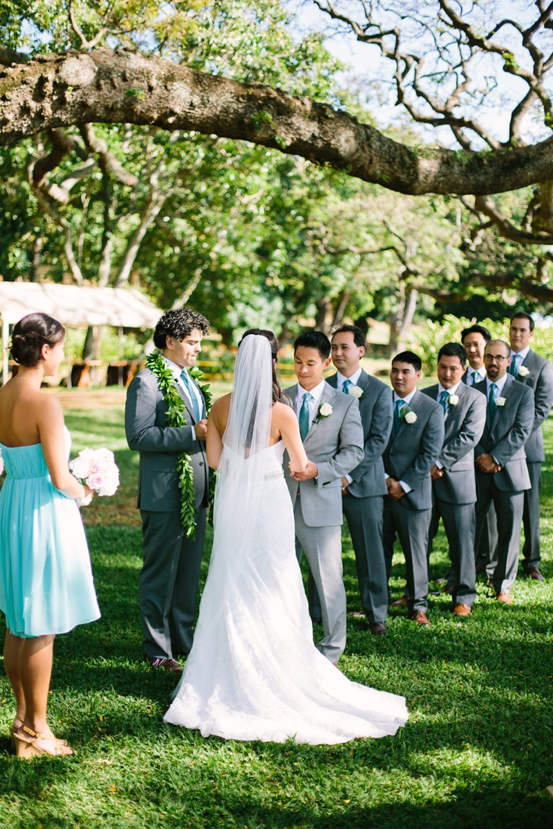 tim-shaina-wedding-the-modern-hawaii-038.jpg